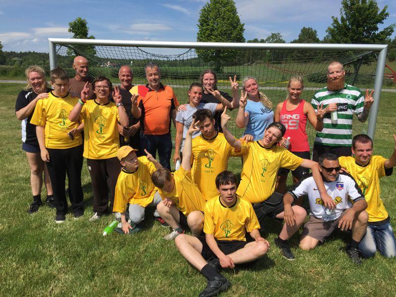 Det är inte bara i Frankrike man spelar fotboll! - Saltå By d73d159c97daf
